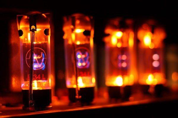 nano vacuum tubes
