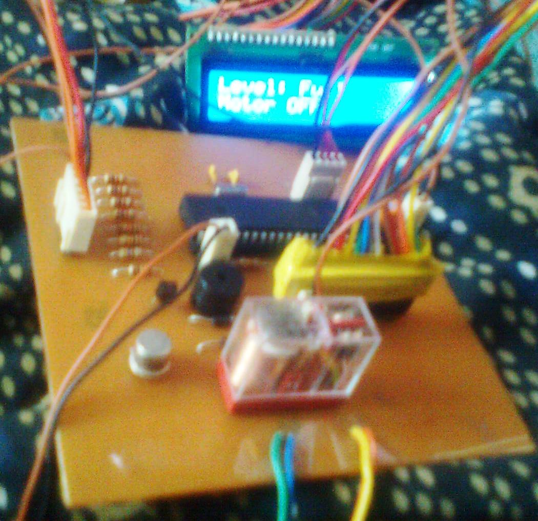Water Level Indicator Controller Using Pic Microcontroller Made In Proteus Shows The Required 8051 Circuit