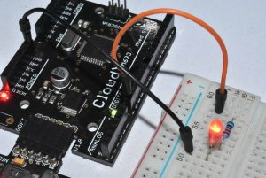 CloudX PIC Microcontroller Board - LED Blinking